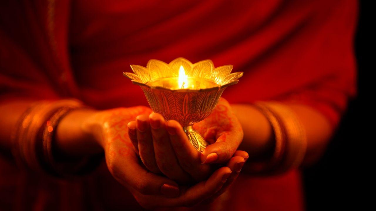 Meditation & Devotional Service with Yogacharya